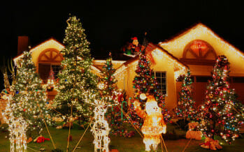 Coachella Valley Family Favorite – Candy Cane Lane in Cathedral City!!
