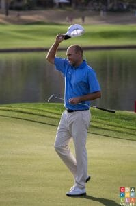 Bill Haas sinking putt on 18th to win the Humana Challenge 15' at PGA West in La Quinta, CA