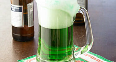 A few festive Saint Patrick's Day drink and food recipes to enjoy!!