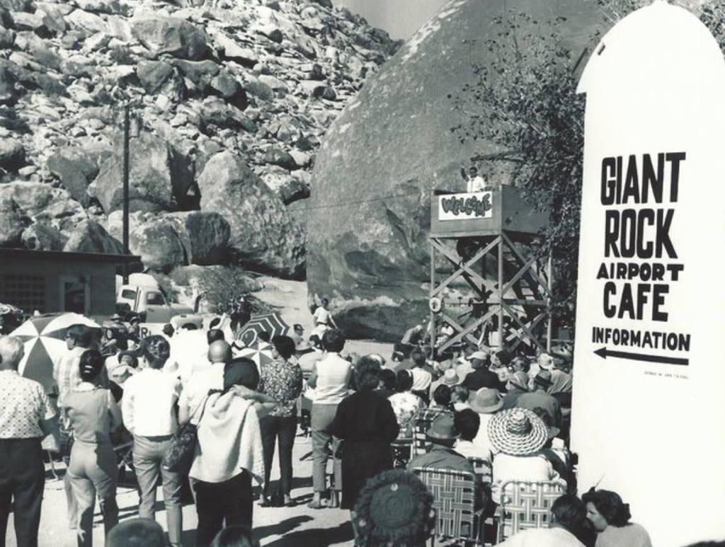 Giant Rock Cafe