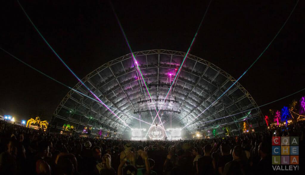 Laser light show set to music by Christopher Wayne Allwine/CoachellaValley.com