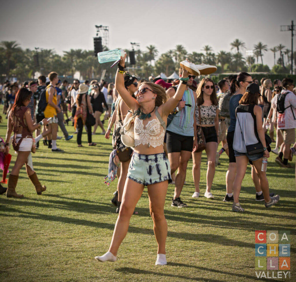 """""""high-fives"""" all around by Christopher Wayne Allwine/CoachellaValley.com"""