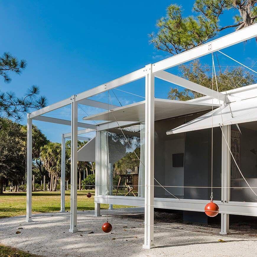 Full-scale Replica of the Paul Rudolph's Iconic 1952 Walker Guest Home