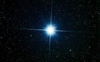 """Tonight, Jupiter and Saturn Will Align to Create the First """"Christmas Star"""" in Nearly 800 Years"""