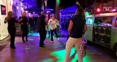 Happening Now…Coachella Valley… Live Music on El Paseo…(Live Video)