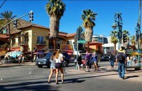 Stroll Thru the Heart of Palm Springs!